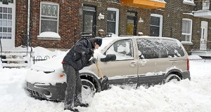 How To Avoid Injury When Shoveling