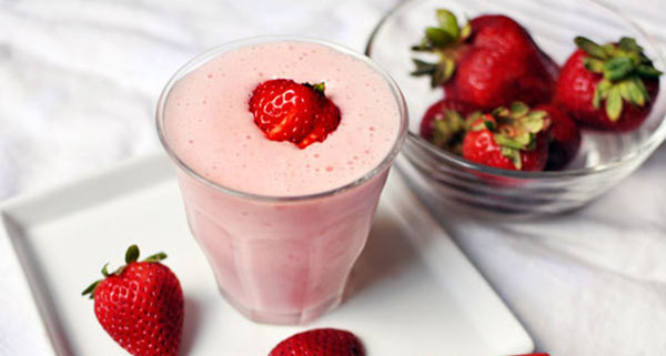 Soursop Hop Strawberry Shake