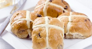 EASTER RECIPE: Hot Cross Buns