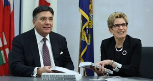 Ontario 2016 Budget Promises Free College and University Education To Financially-Challenged Students