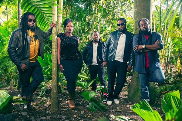 The full Morgan Heritage reggae group. Photo credit: