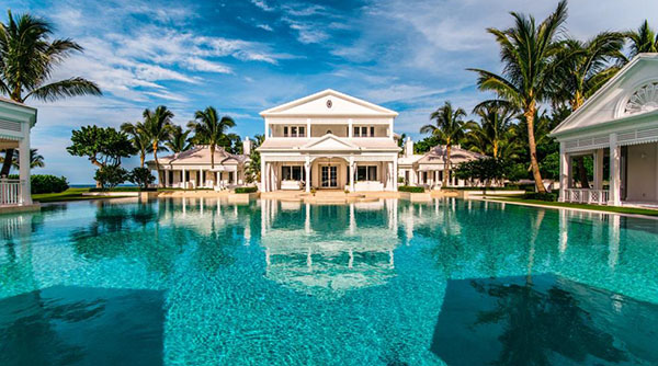 Celine dion drops price on florida waterpark home pride news for Villa de celine dion en floride