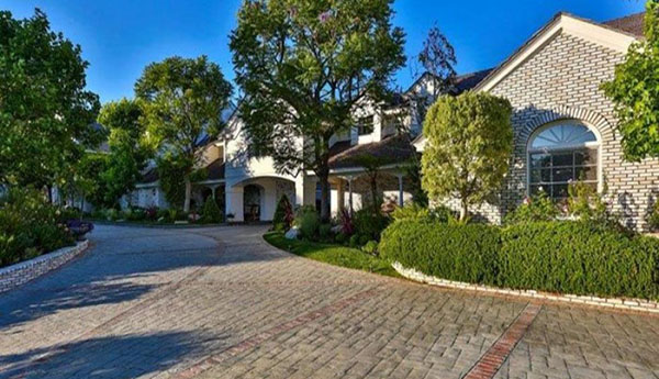 Jennifer Lopez's Hidden Hills Mansion For Sale