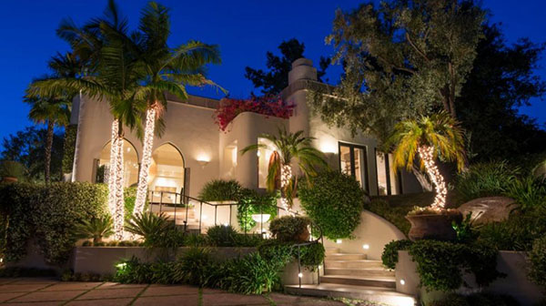Cher's 1970's Beverly Hills Mansion On The Market