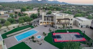 Former Alaska Governor, Sarah Palin, Sells Arizona Home For Fast Profit