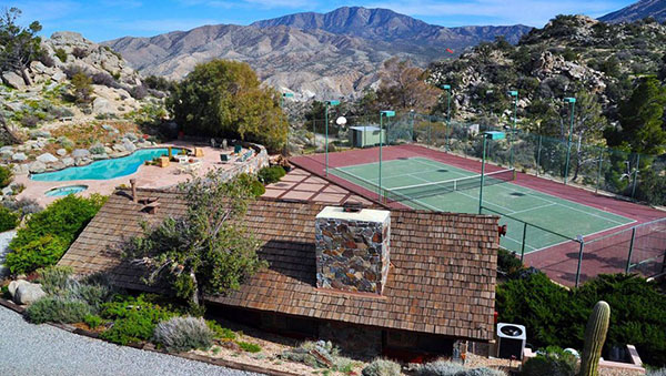 """Frank Sinatra's """"Rat Pack"""" Vacation Home For Sale"""