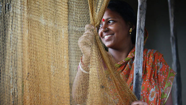 A young woman from a fishing community in West Bengal in eastern India. She comes from a village that is known for high levels of trafficking of women and girls to other major cities. Photo credit: UN Women/Anindit Roy-Chowdhury.