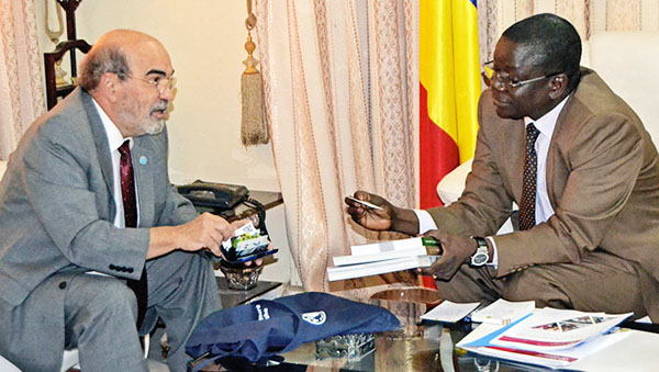 FAO Director-General meets Prime Minister of Chad, Albert Pahimi Padake. Photo credit: FAO.