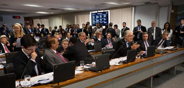 26-04-2017- Brasília- DF, Brasil- Senadores aprovam projeto de abuso de autoridade na CCj do senado. Foto Lula Marques/AGPT