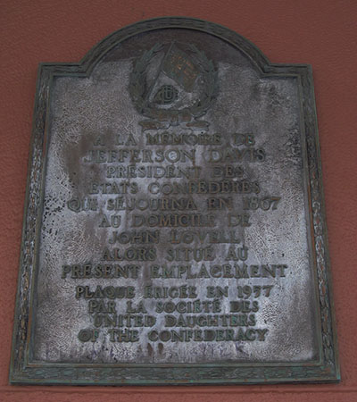The Jefferson Davis plaque that the Hudson Bay Company removed.