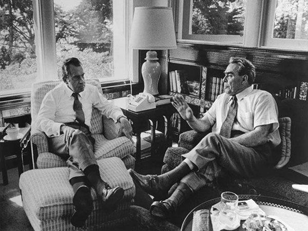 Nixon in den