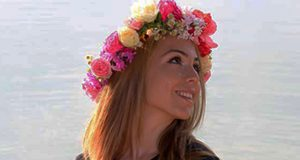 Making Beautiful Flower Crowns With Real Flowers