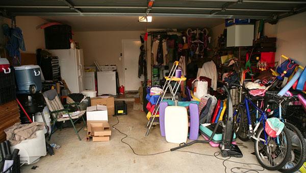 junky garage