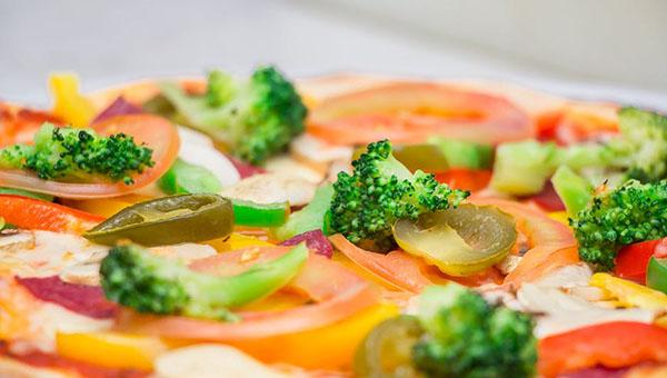 broccoli pizza-pizza-service-italian-eat-56014