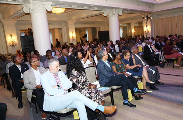 Jamaicans in Toronto listen keenly as Police Commissioner in Jamaica, Major General Anderson, updates Jamaicans in Toronto on measures to abate crime and violence in Jamaica.