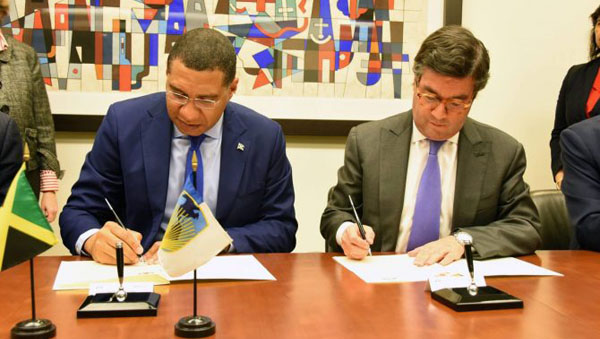 Jamaican PM Signs US$285-Million Contingency Credit Facility With IDB