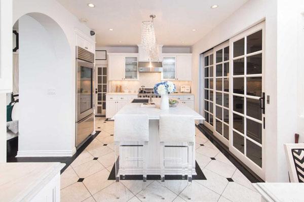 Paris Hilton's Hollywood Hills Home -- kitchen