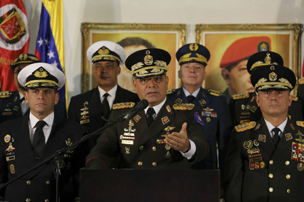 General Vladimir Padrino (at podium and microphone), minister of defense and head of the high command of the Bolivarian National Armed Force of Venezuela, ratified his support for President Nicolás Maduro on Jan. 24. Photo credit: Miraflores Palace.