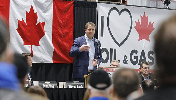 Scheer at a rally in Moosomin, Saskatchewan in 2019. Photo credit: Andre Forget - CC BY-SA 2.0.