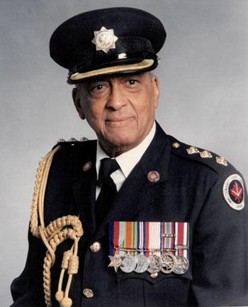 Captain Twist Bernard