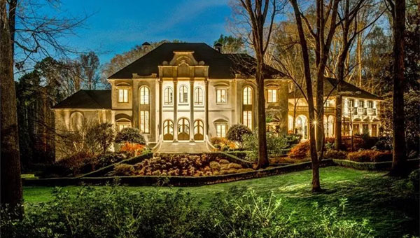 The musicians spared few expenses on their new ITP palace. Photo credit: Drone Media Solutions, via Dorsey Alston Realtors