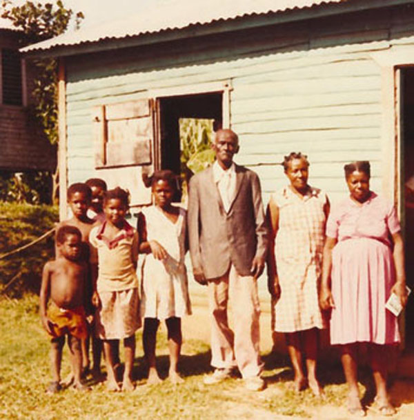 A Samaná family in Samaná, Dominican Republic. Photo credit: Shana Poplack, private collection.