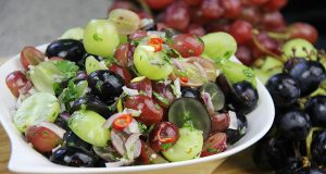 Grapes Chow: Spicy Pickled Grapes
