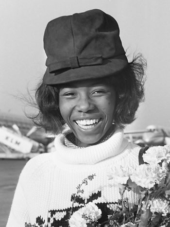 Small arriving at Schiphol Airport, from Jamaica, in 1964. Photo credit: Harry Pot - Nationaal Archief, CC BY-SA 3.0.
