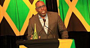 Donnovan Simon Wins Jamaica Tourist Board's Inaugural Edith Baxter Memorial Award
