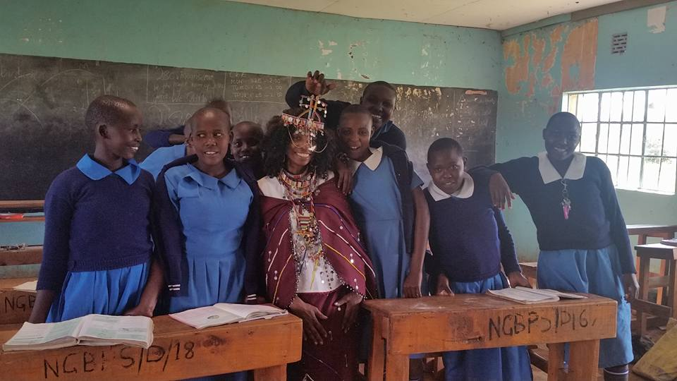 Morris visits the Aningoi Girls School
